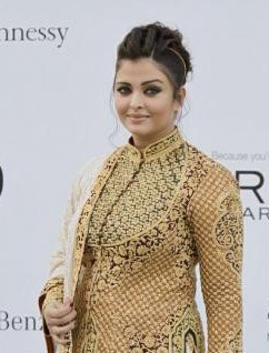 1204 Cannes 2012: Aishwarya Rai disappoints again (and its nothing to do with the weight gain!)