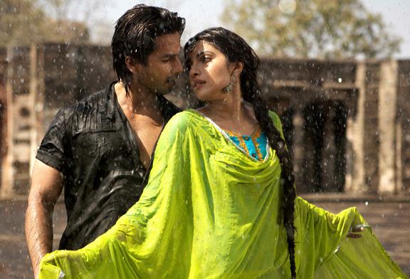 shahid kapoor, kapur, priyanka chopra, teri meri kahani, teri meri kahaani, love story, romance, love, chemistry